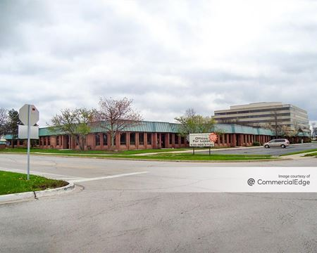 Woodland Corporate Center - Downers Grove