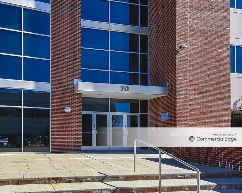 Harbour Pointe Office Park - 70 & 90 Everett Avenue