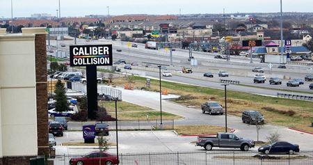 6021 North Freeway Service Road - Fort Worth
