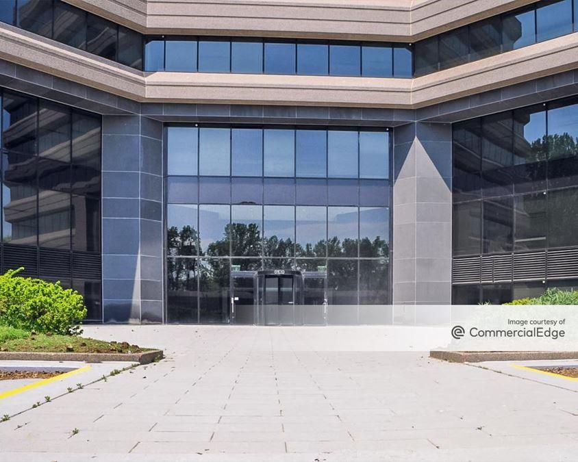 Executive Plaza South