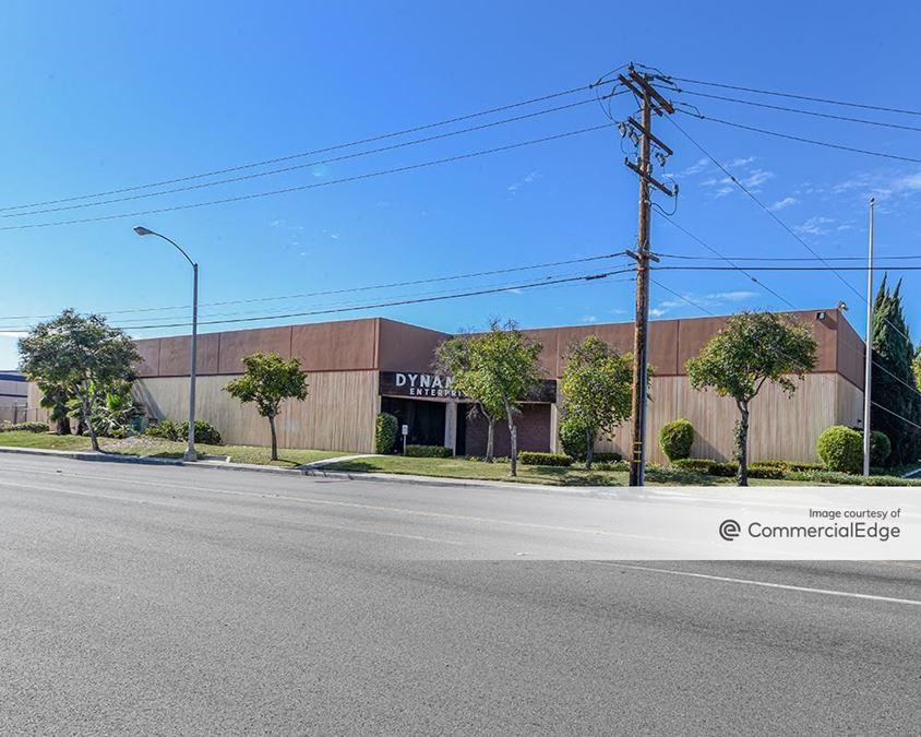 10015 Greenleaf Avenue