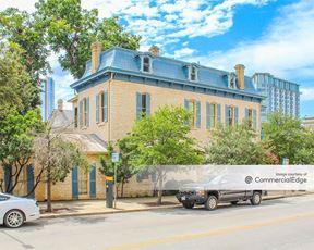 711 San Antonio Street