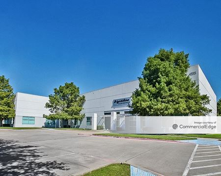 Addison Tech Center - 4555 Excel Pkwy - Addison