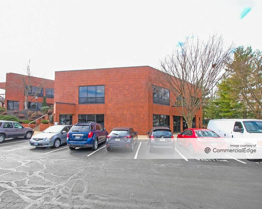Greenfield Corporate Center East - Business Center IV & V
