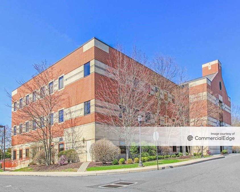 Medical Arts Building at Luther Crest