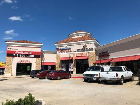 5324 North Freeway_Royal Crown Plaza - Houston