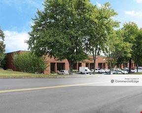 1700 & 1721 Oakbrook Drive