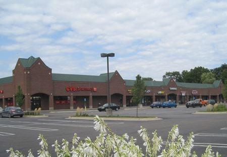 Four Oaks Plaza - Livonia