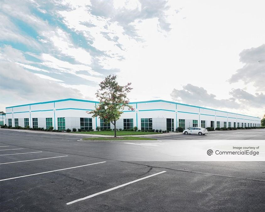 Airport Center Building P