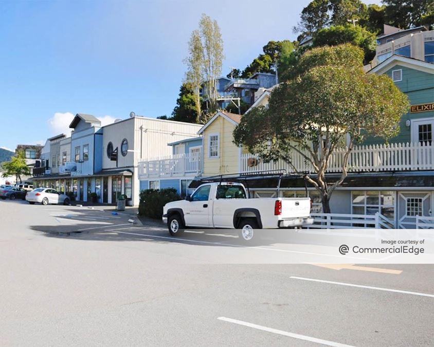 Ark Row Shopping Center