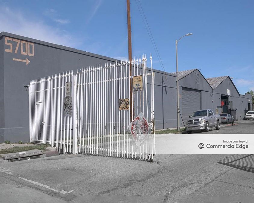 5700 South San Pedro Street
