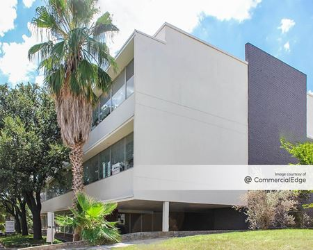 Modern on Main - San Antonio