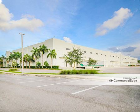 Liberty Airport Center - West Palm Beach