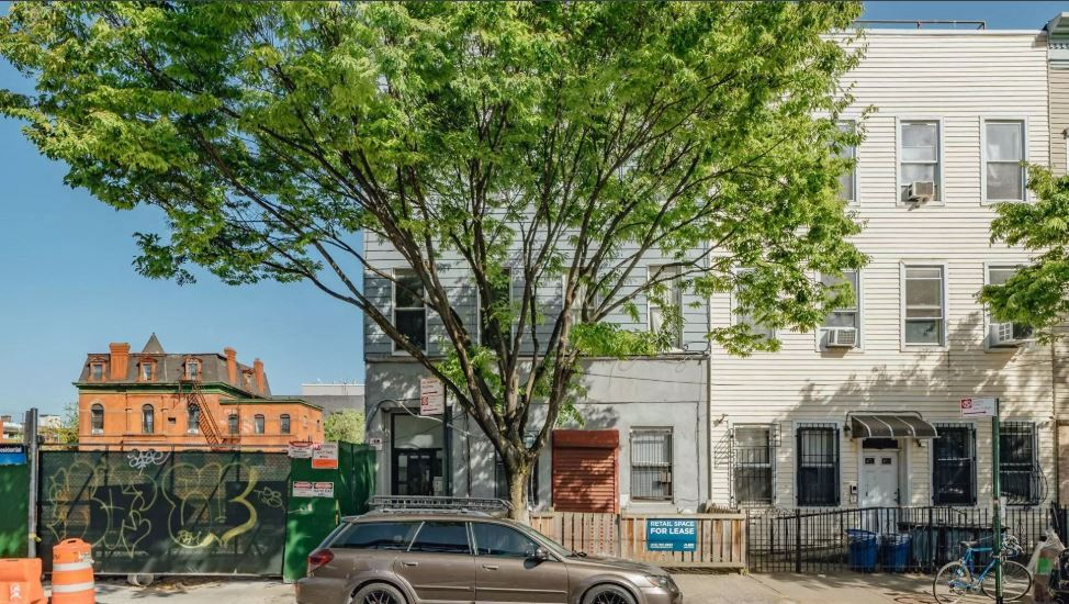 RETAIL with POTENTIAL in BUSHWICK!