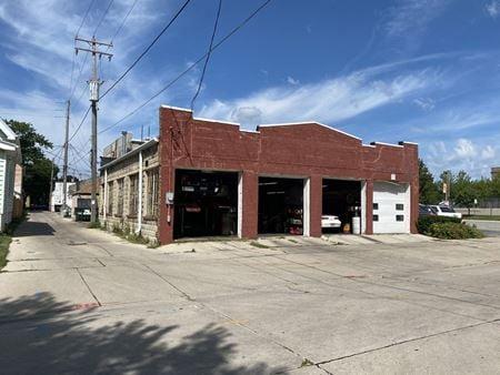 5101 W North Ave - Milwaukee