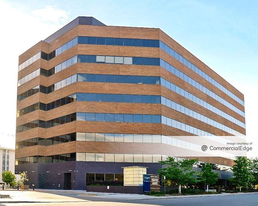 1st Avenue Plaza at Cherry Creek - 55 Madison Street