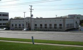 747 Lake Cook Rd, Deerfield, IL