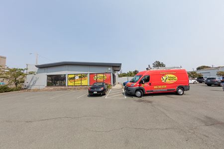 Industrial Building With Yard - Santa Rosa