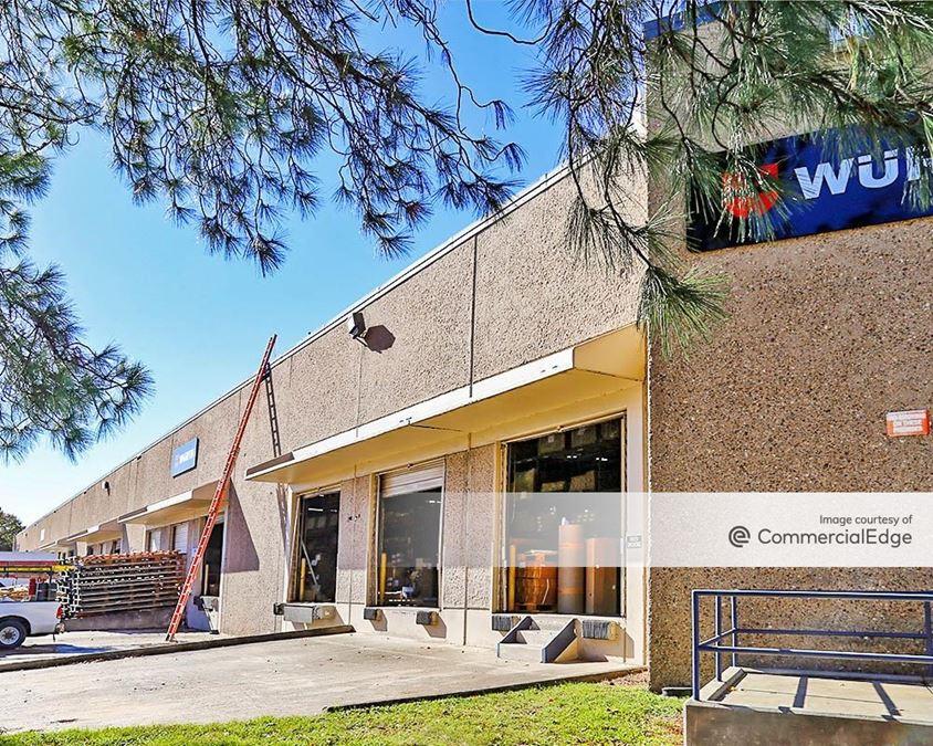 Pine Forest Business Park - 551 Garden Oaks Blvd