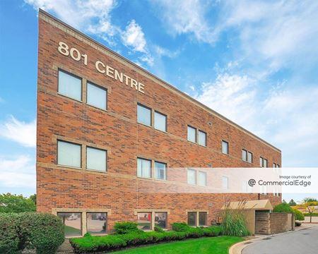 801 Centre - Lansing