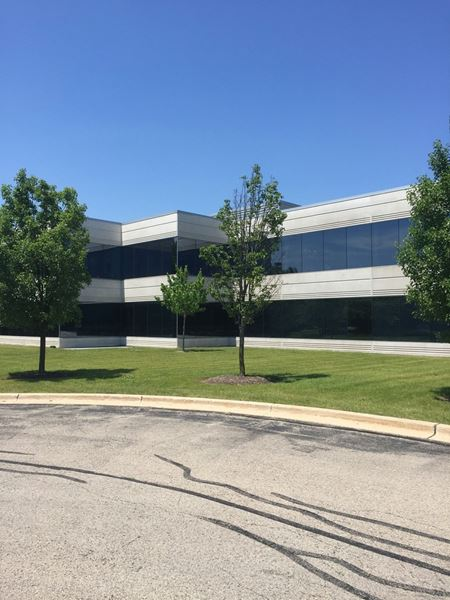 Riverwoods Corporate Center - Riverwoods