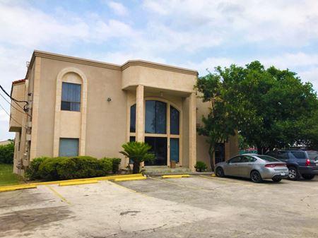 2819 Woodcliffe St., San Antonio, TX 78230 - San Antonio