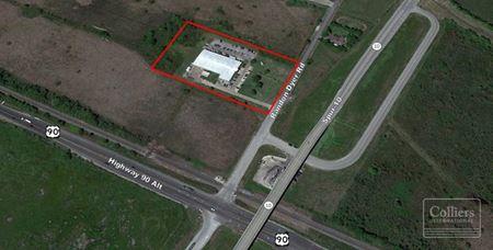 For Lease | ±28,650-SF Warehouse/Office on ±5.3 Acres, Rosenberg - Rosenberg