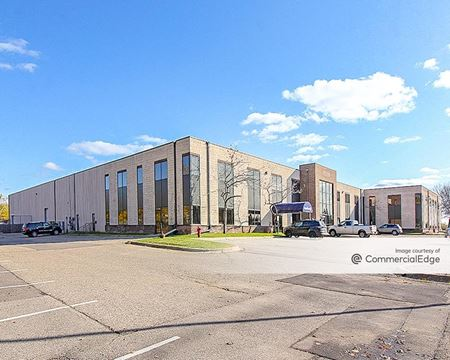 Hampshire Tech Center - Bloomington