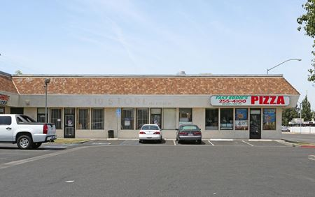 Prime Retail Space Available in Strip Shopping Center - Fresno