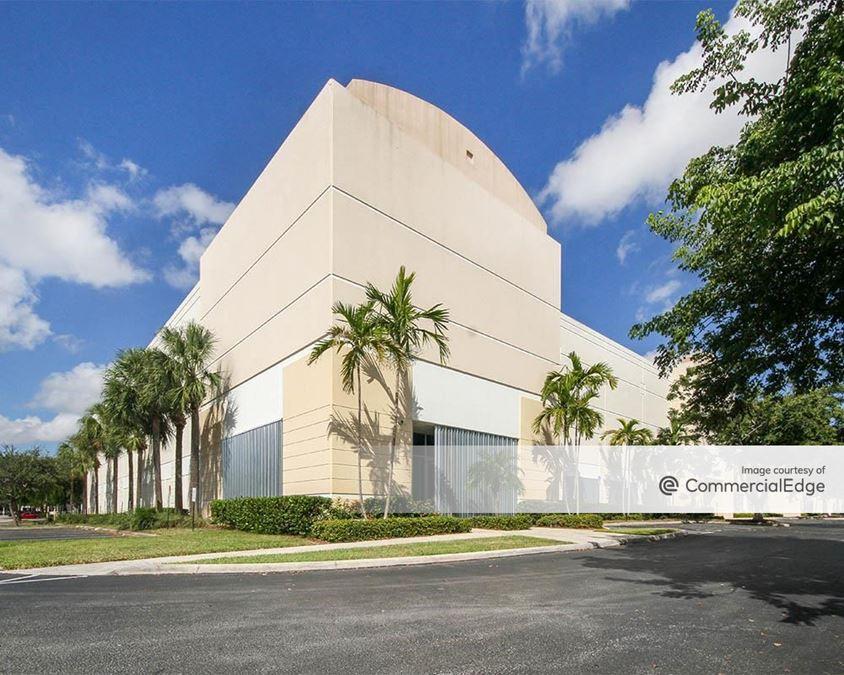 Atlantic Business Center - 2101-2131 SW 3rd Street