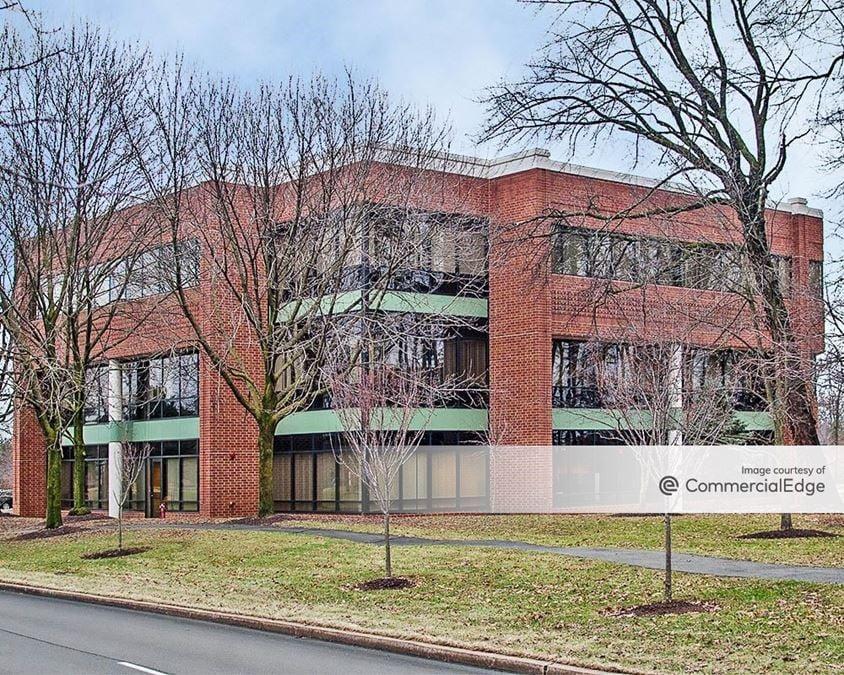 Lehigh Valley Corporate Center - 1605 Valley Center Pkwy