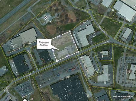 Dual Tenant Building Near LVIA Airport - Allentown