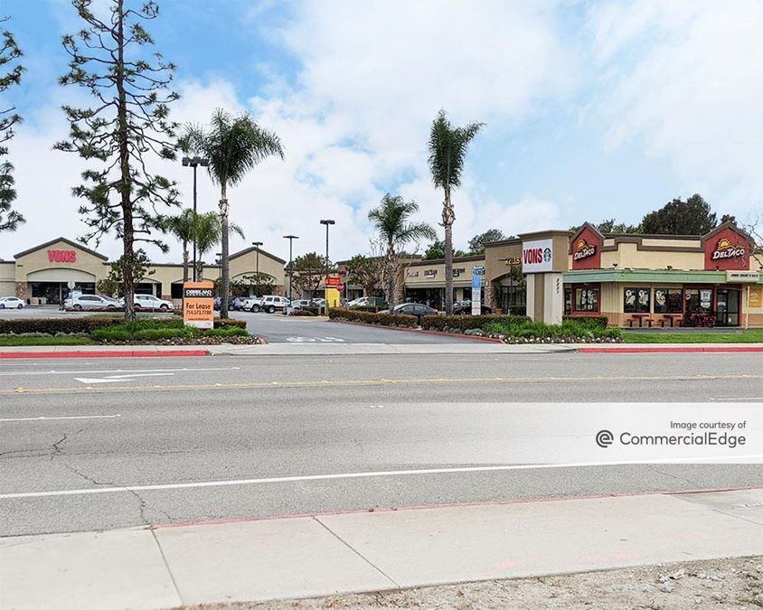 Landmark Plaza - 8891 Atlanta Avenue