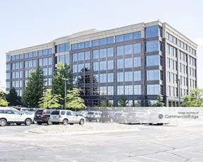 Woodland Falls Corporate Center