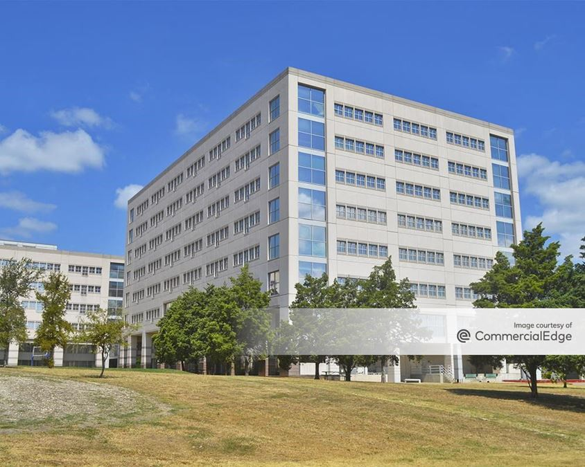 Broadmoor Austin - Building 1