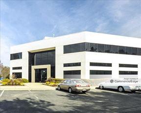 Sunnyvale Business Center - 920 & 930 DeGuigne Drive - Sunnyvale