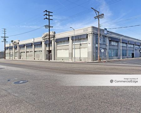 2001 South Alameda Street - Los Angeles