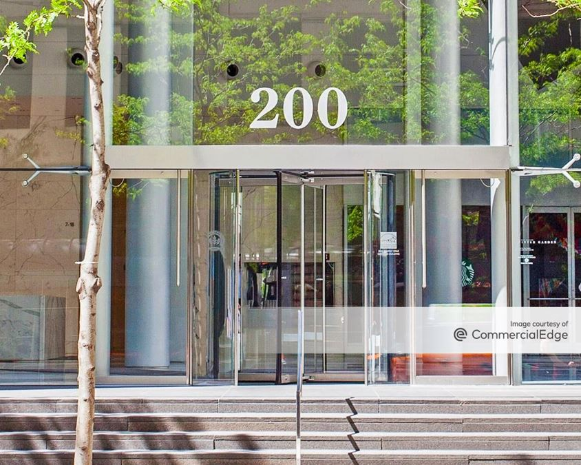 200 West Madison Street