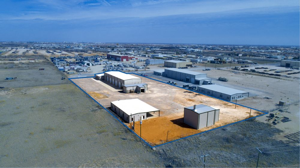 State-Of-The-Art Industrial Facility - Detached Wash-Bay - Paint Booth