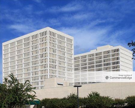 2777 Allen Pkwy - Houston