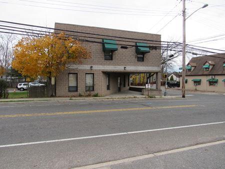 194 Depot Rd - Huntington Station