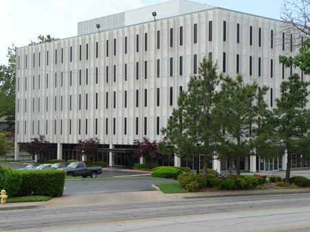 21 Lewis Plaza - Tulsa