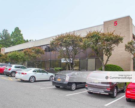 Mid-Westchester Executive Park - 5 Skyline Drive - Hawthorne