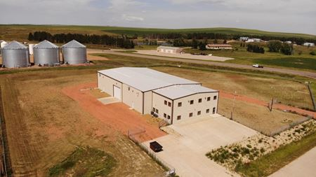 +/- 14,200 SQ FT Shop On +/- 3.38 Acres - Dickinson