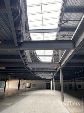 For Sale | ±150,000-SF Office/Flex Facility