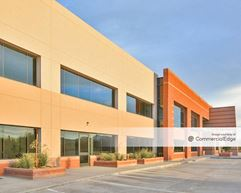Perimeter Gateway 101 - Scottsdale