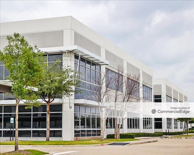 Oak Park Office Center III