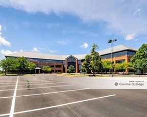 Hamilton Lakes Business Park - 555 Pierce Road