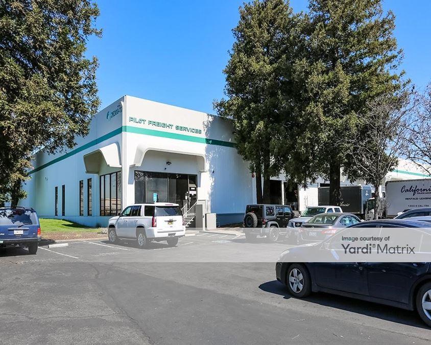 Hayward Commerce Park - Buildings 7 & 8