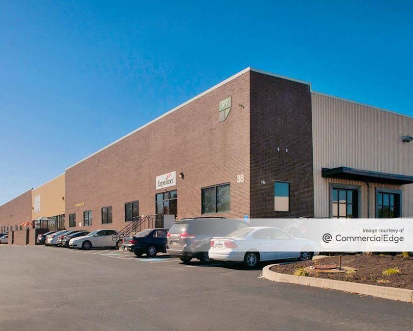 Kaiser Business Center - 519 & 525 Kaiser Drive